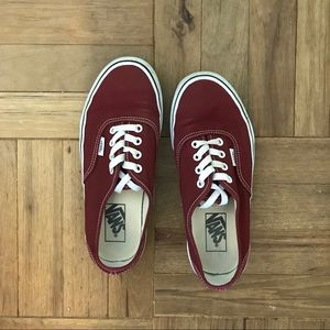 Vans Classic Laced Sneakers